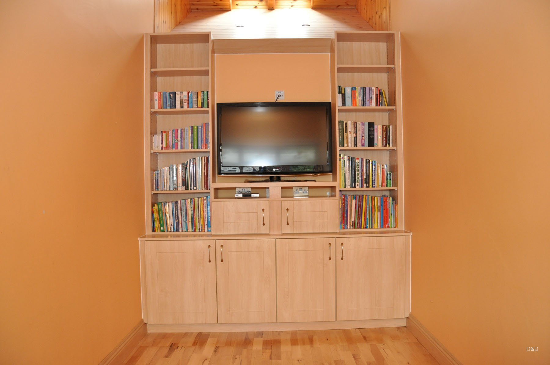 maple-custom-built-tv-stand-dd-carpentry