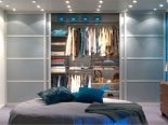 contemporary-bedroom-wardrobe-with-sliding-doors