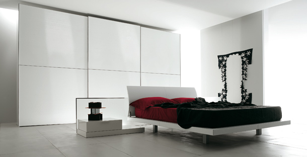white-sliding-doors-wardrobe-for-modern-bedroom-design-by-verardo