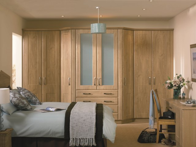 winchester-oak-bedroom-wardrobe